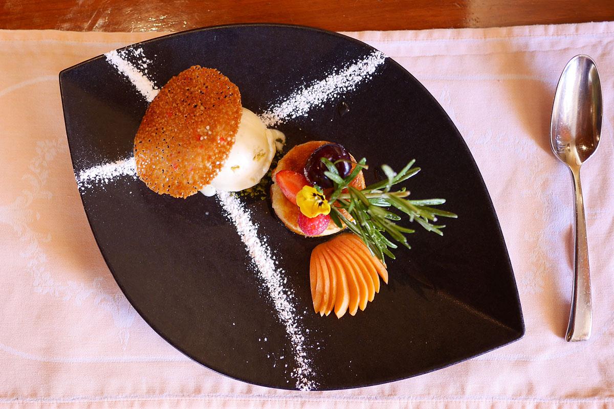 Abricots infusés à la vanille Auberge de Gilly