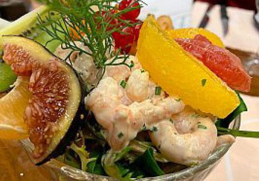Fruits crevettes calypso Auberge de Gilly
